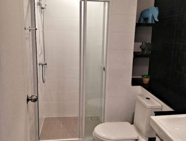 the escent condo modern bathroom-2