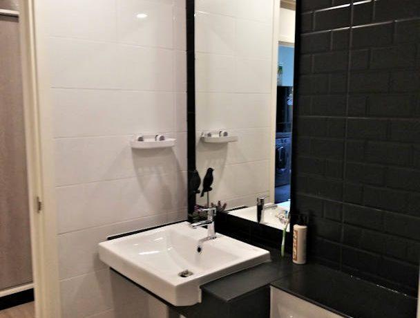 the escent condo modern bathroom-3