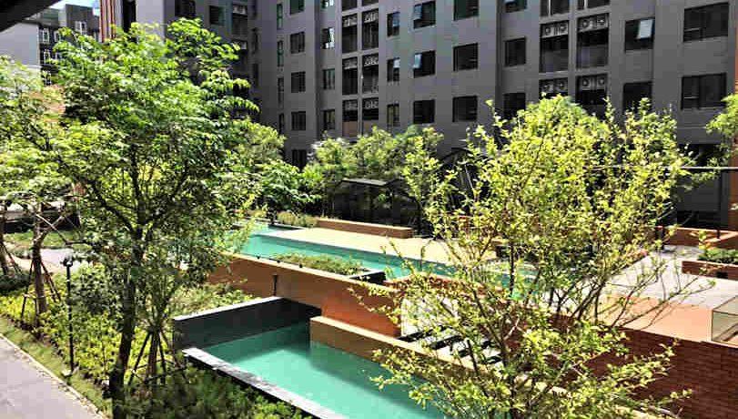 the escent condo pool area-1