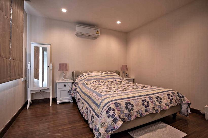 3 storey house for rent in rochalia 11