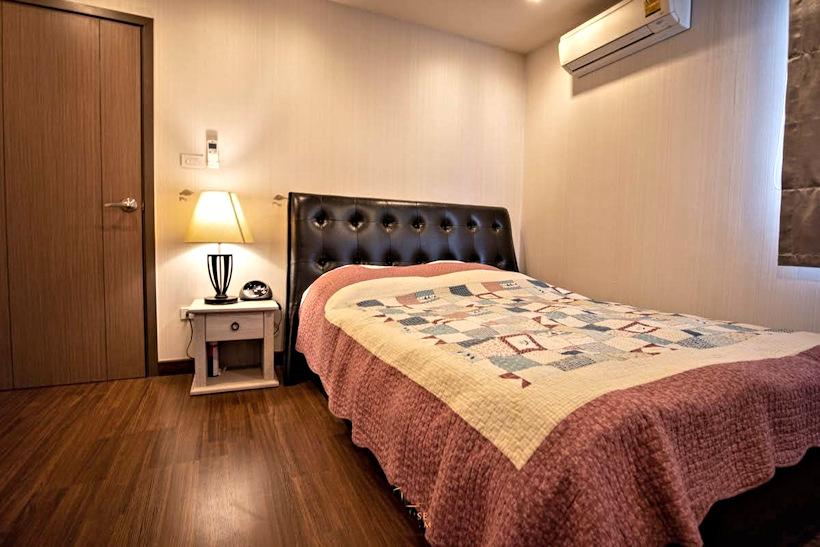 3 storey house for rent in rochalia 12