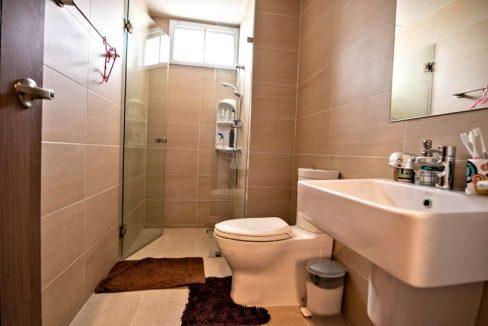 3 storey house for rent in rochalia 18