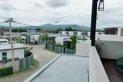 3 storey house for rent in rochalia 19