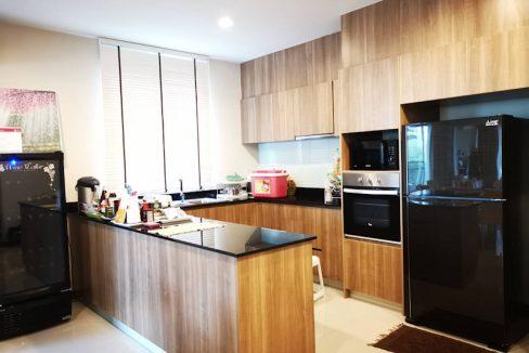 3 storey house for rent in rochalia 4