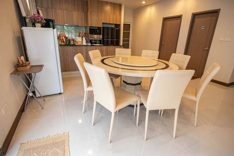 3 storey house for rent in rochalia 6
