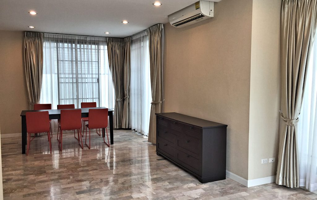 3 bedroom house for sale at 142 Pillow 20