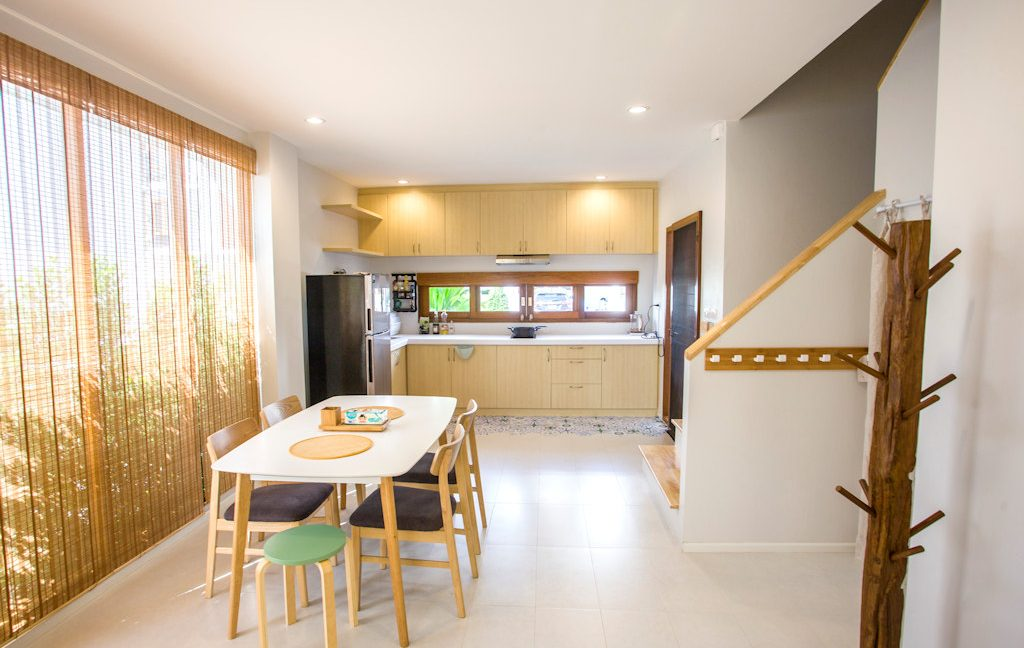 3 bedroom house sale rent monotown 2
