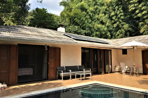 3 bedroom pool house for rent 1