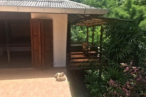 3 bedroom pool house for rent 2