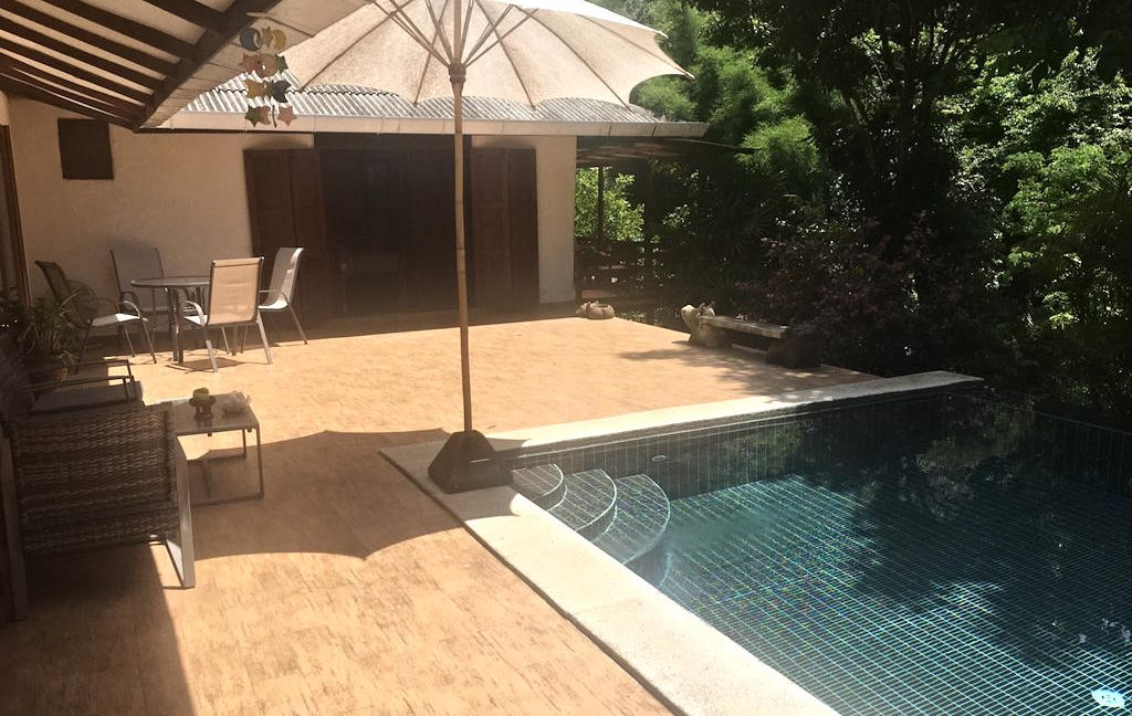 3 bedroom pool house for rent 3