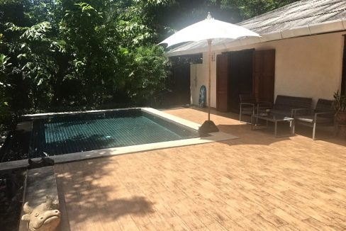 3 bedroom pool house for rent 4
