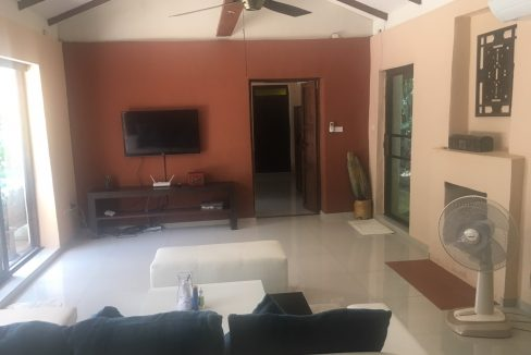 3 bedroom pool house for rent 7