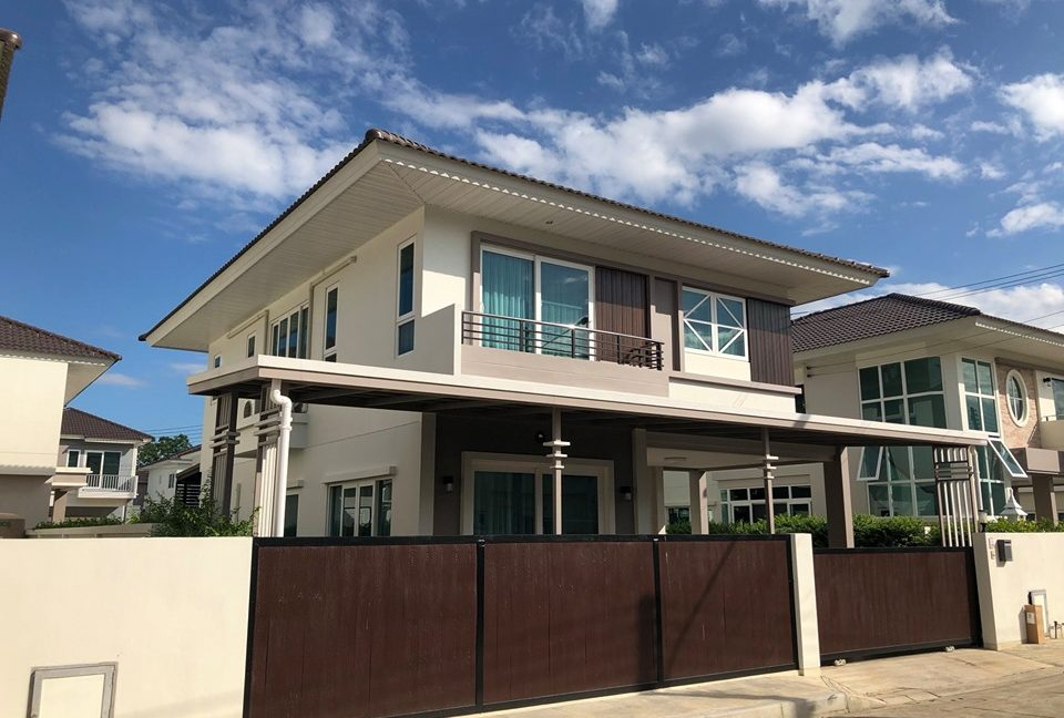 two storey house for rent in mae hia 2