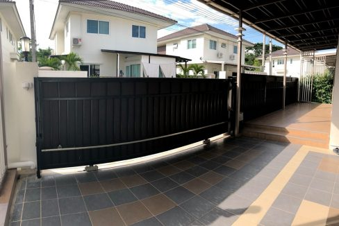 two storey house for rent in mae hia 4