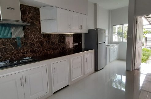 Modern and newly build 2 bedroom house for rent near Nimman
