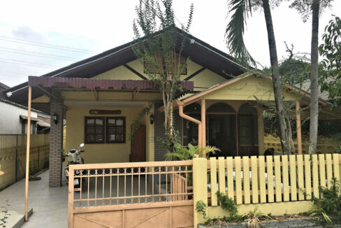 Cozy Three Bedroom House For Rent Near Meechok Plaza