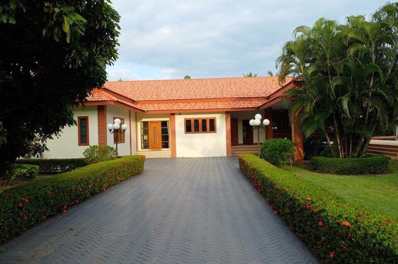 4 bedroom house for rent Sanpapao 10