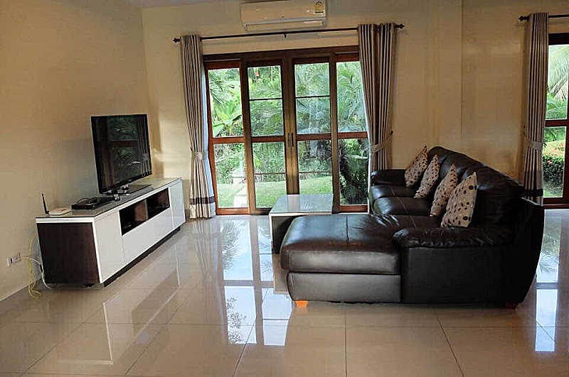 4 bedroom house for rent Sanpapao 3