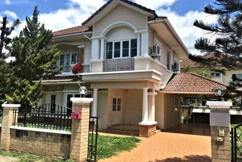 Four Bedroom House For Rent On Big Corner Plot