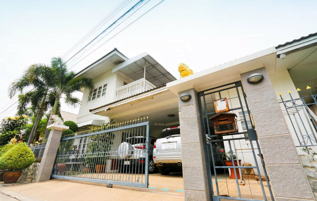 4 bedroom house for sale nong kwai chiang mai 1