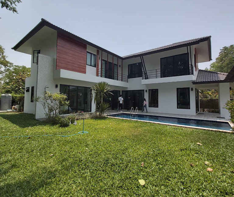 4 bedroom luxury pool house for sale chiang mai 1