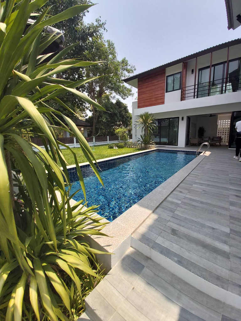 Four Bedroom Pool Villa For Sale In Hang Dong