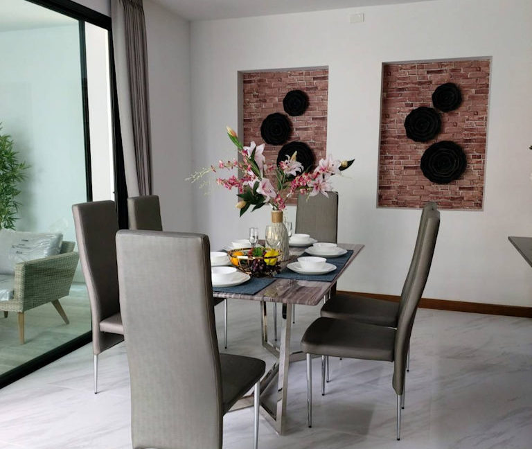 4 bedroom luxury pool house for sale chiang mai 3