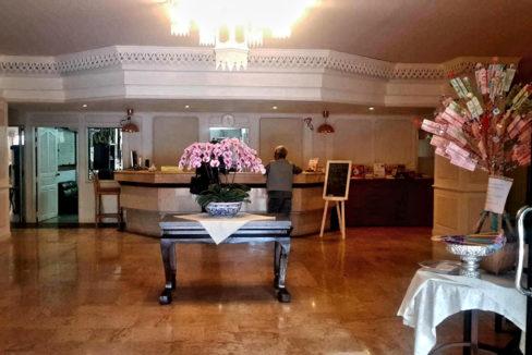 9-Hillside3-303-lobby