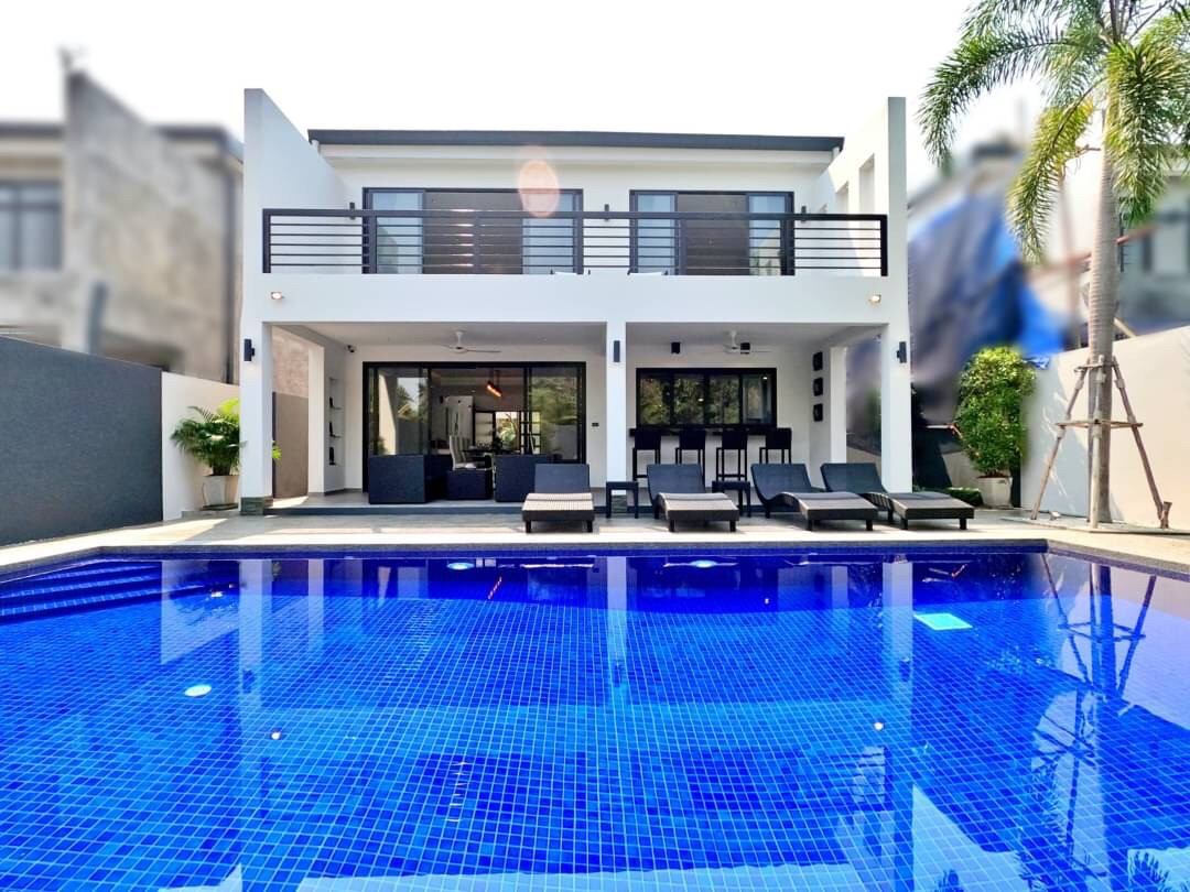 Brand New Luxury Pool Villa For Sale