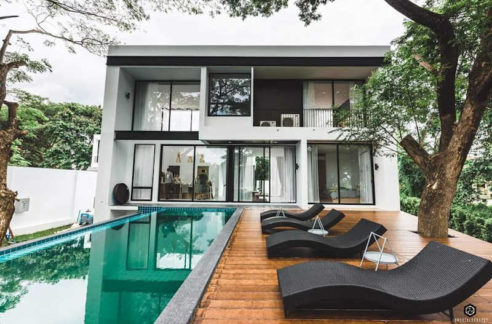 Outstanding Luxury Pool Villa For Sale In Hang Dong