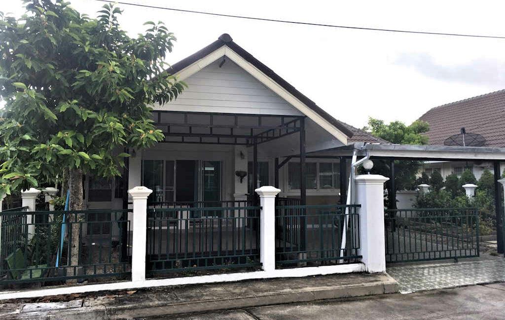 2 bedroom house for sale rent san kamphaeng 1
