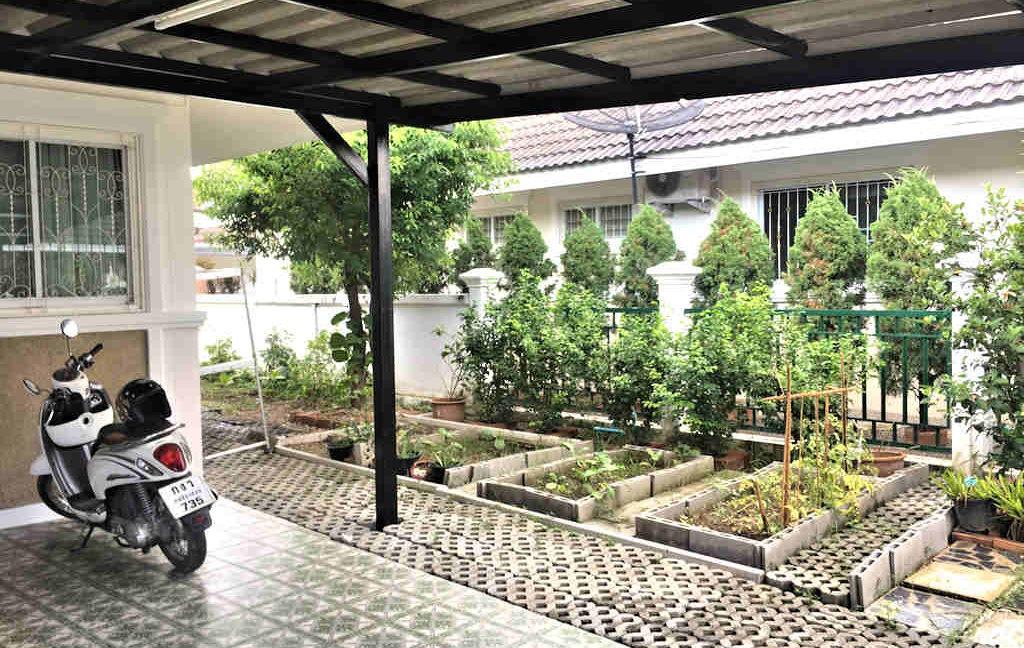 2 bedroom house for sale rent san kamphaeng 11