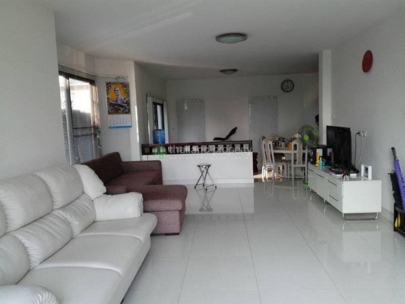 3-bedroom-house-for-sale-in-koolpunt-ville-10