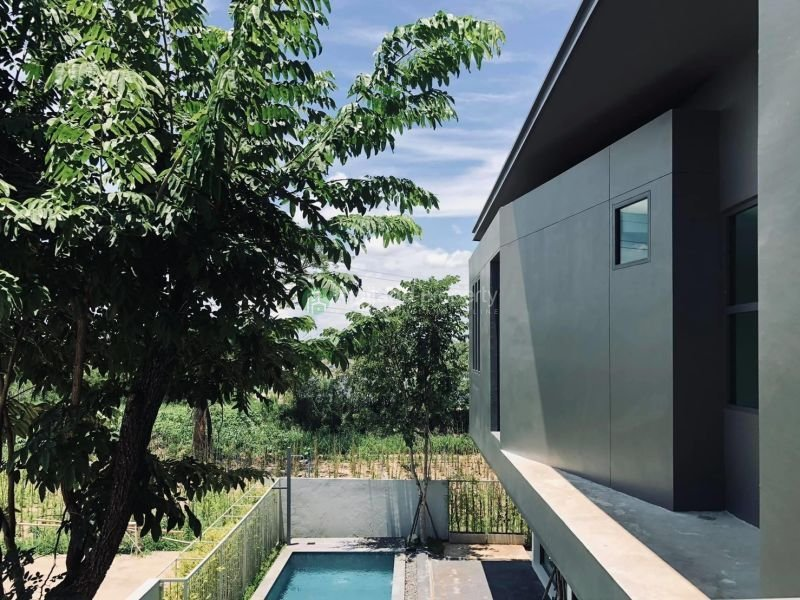 3-bedroom-pool-house-for-sale-in-chiang mai-7