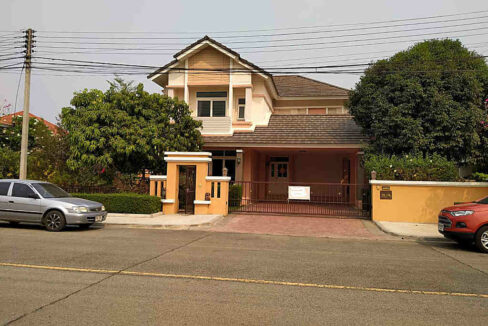 Four Bedroom House for rent in nam phrae