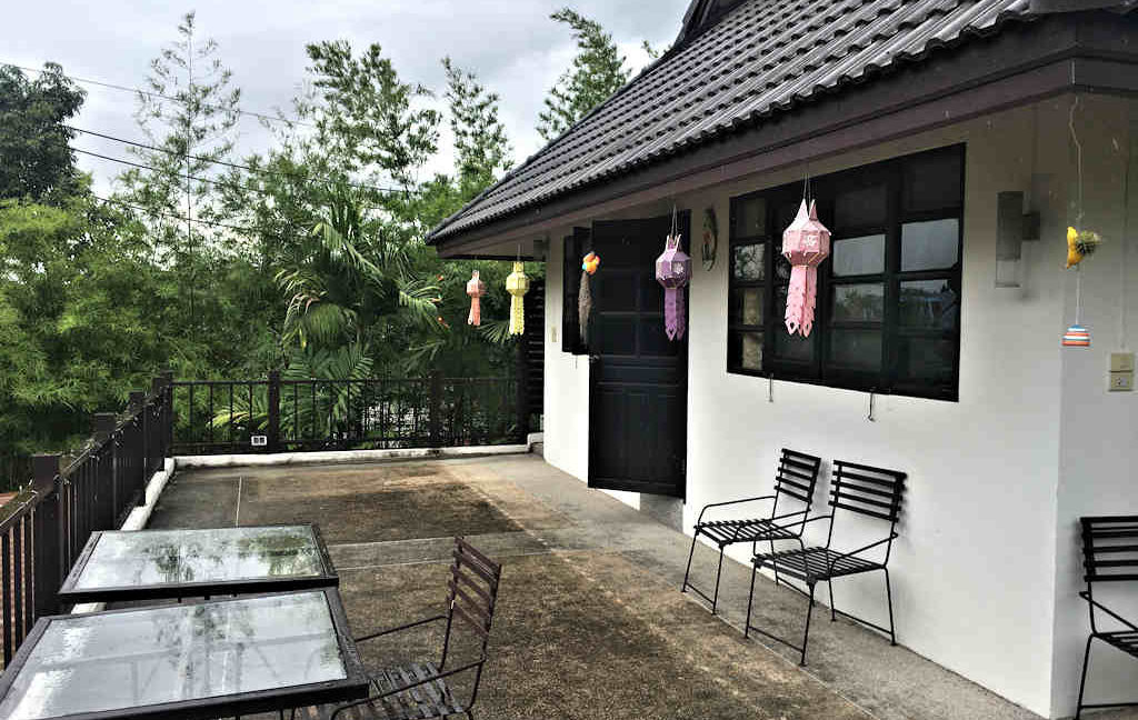 8 bedroom guest house for rent in chiang mai 12