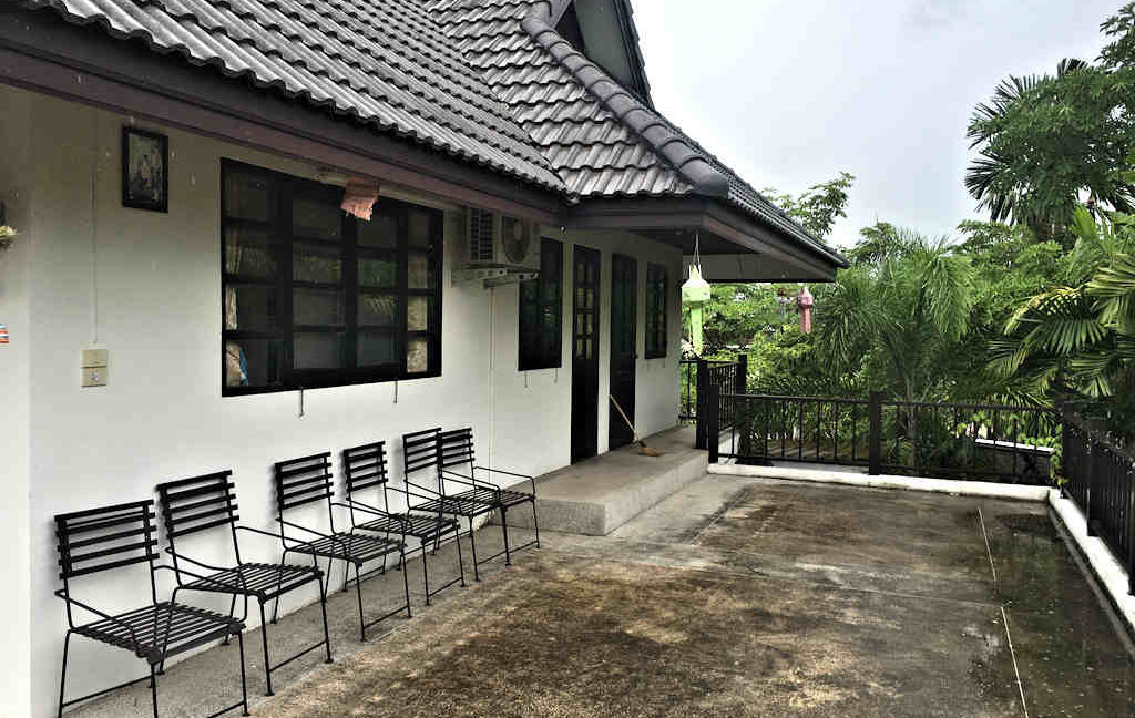 8 bedroom guest house for rent in chiang mai 13