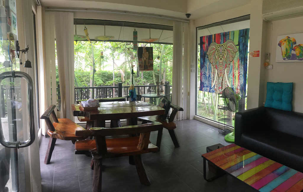8 bedroom guest house for rent in chiang mai 17