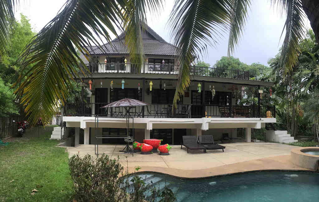 8 bedroom guest house for rent in chiang mai 19