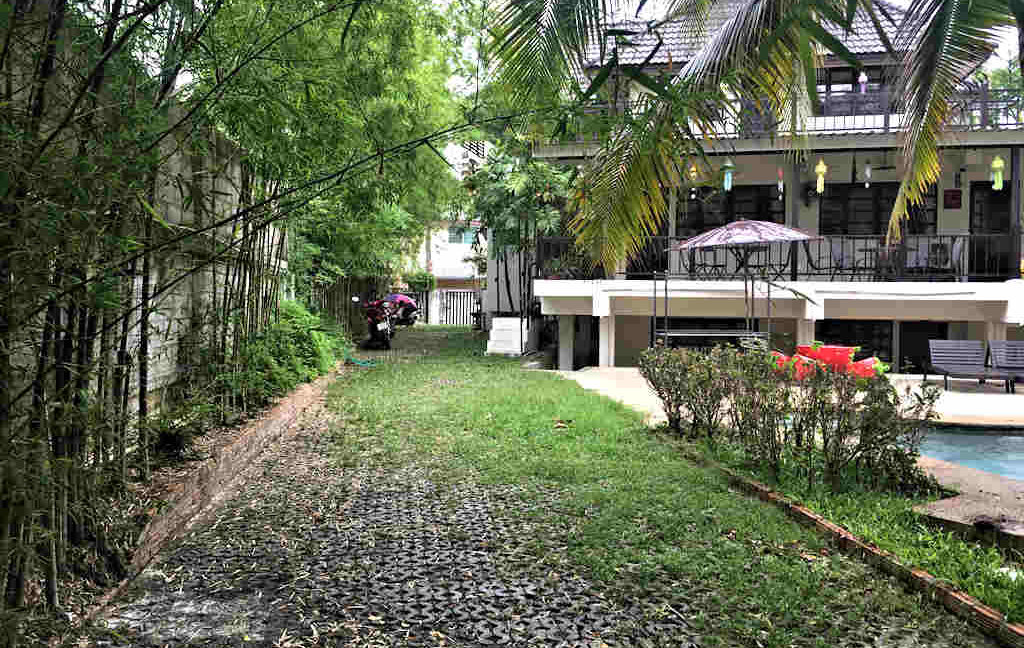 8 bedroom guest house for rent in chiang mai 21