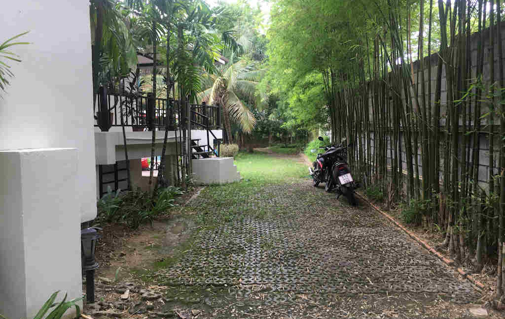 8 bedroom guest house for rent in chiang mai 23