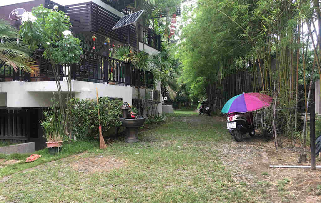 8 bedroom guest house for rent in chiang mai 24