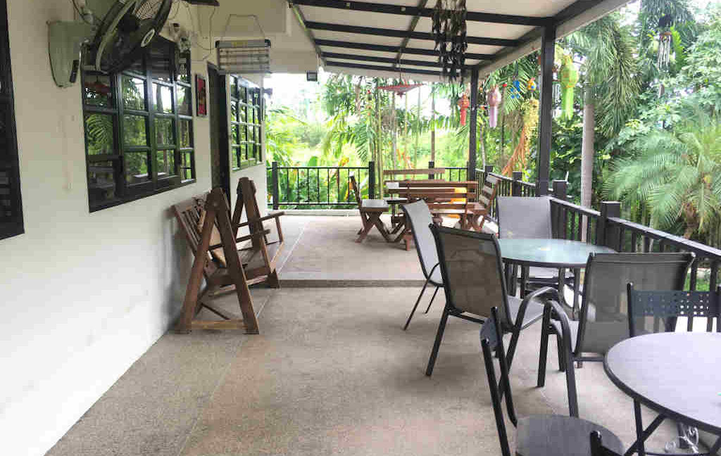 8 bedroom guest house for rent in chiang mai 28