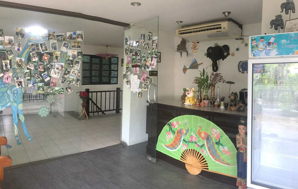 8 bedroom guest house for rent in chiang mai 4