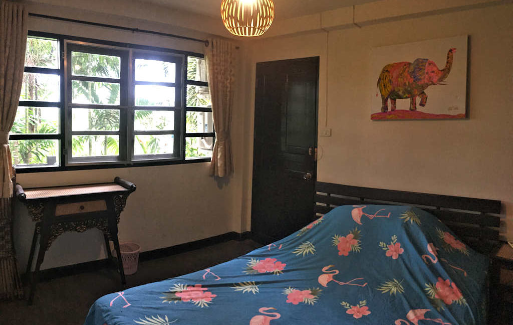 8 bedroom guest house for rent in chiang mai 5