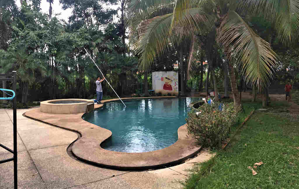 8 bedroom guest house for rent in chiang mai 6