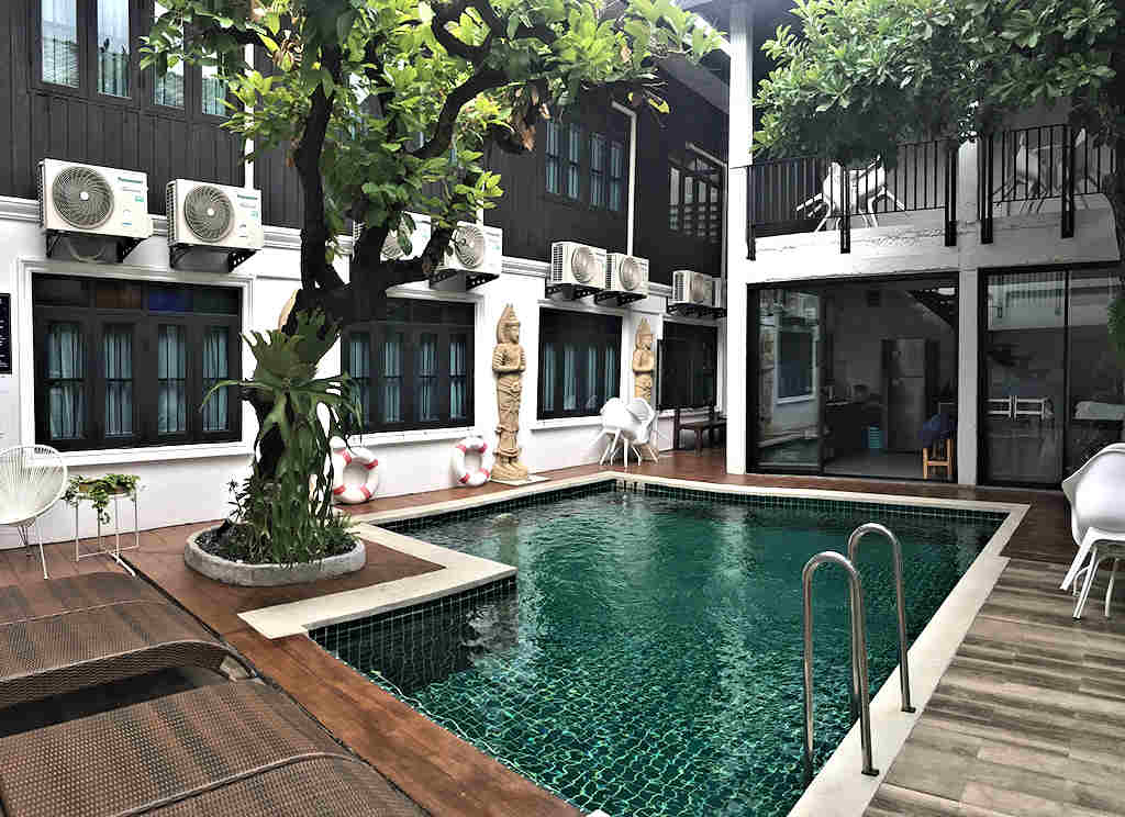 25 Rooms Modern Boutique Hotel For Sale