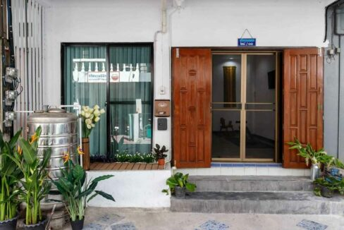 2 bedroom townhouse for rent in chaing mai 1
