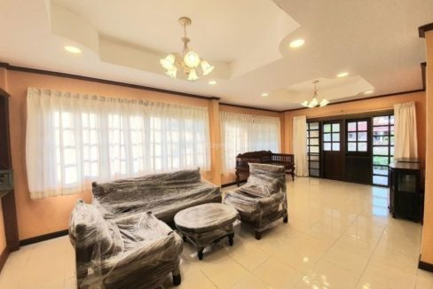 4 bedroom house for rent in lake view park chiang mai 8