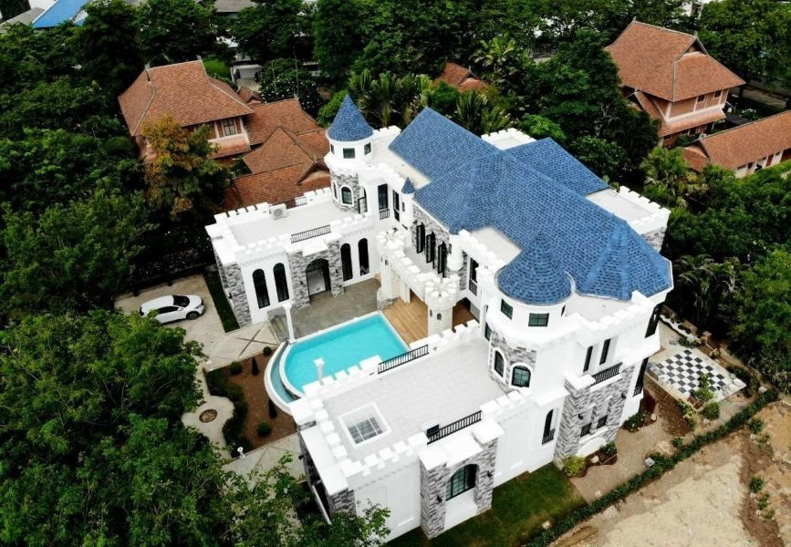 5-bedroom-pool-villa-for-renti-chiang-mai 2